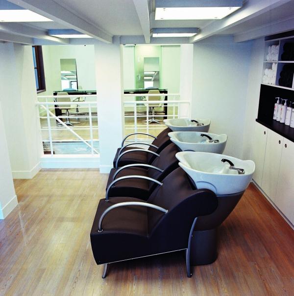 Beauty salon equipment furniture gamma bross for Salon furniture design