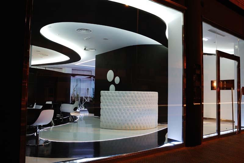 Beauty salon equipment furniture gamma bross for Beauty salon exterior design