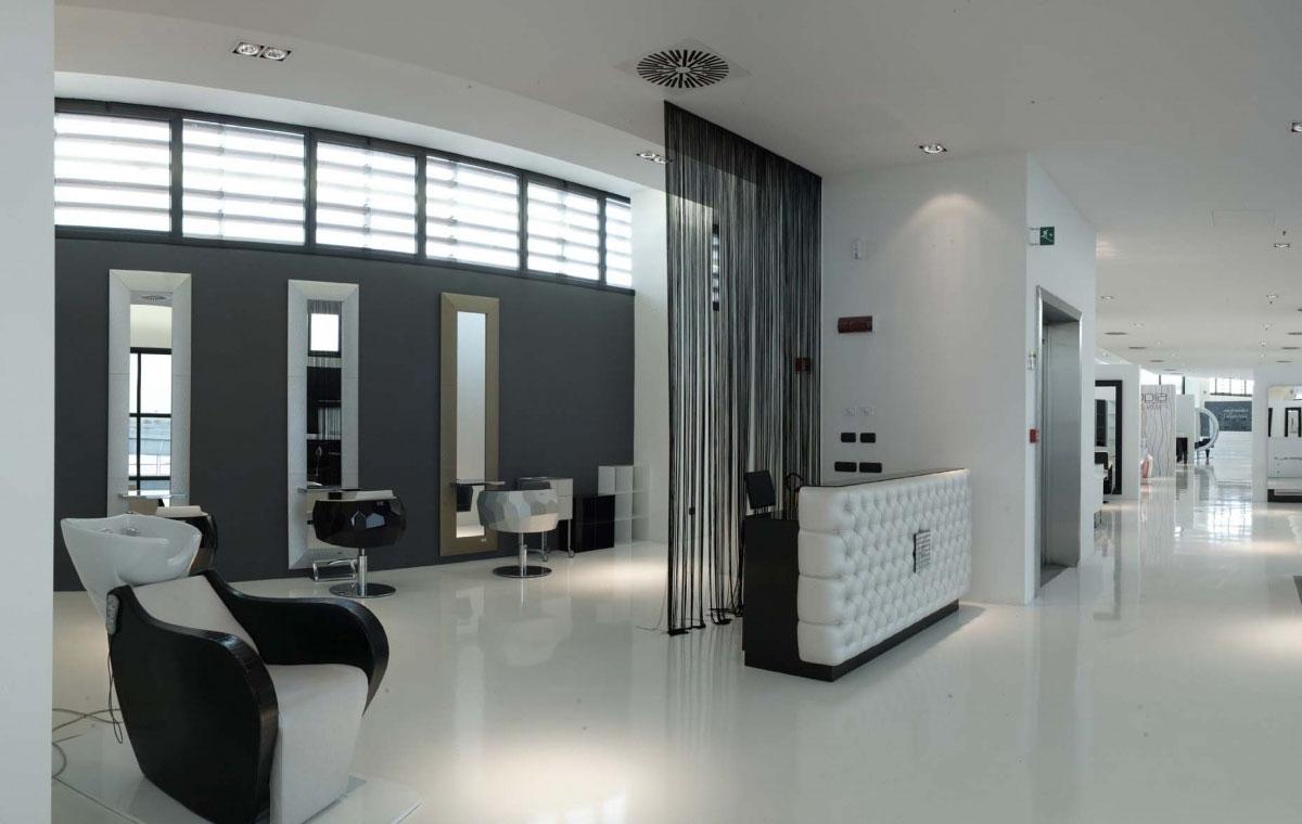 Mobiliario de peluquria y salones de belleza gamma for Showroom arredamento